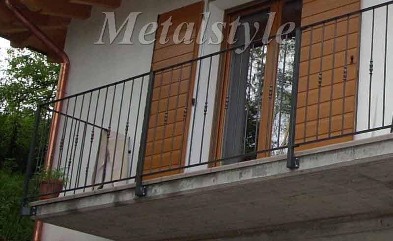balaustrade railing parapet balcony wrought iron 01