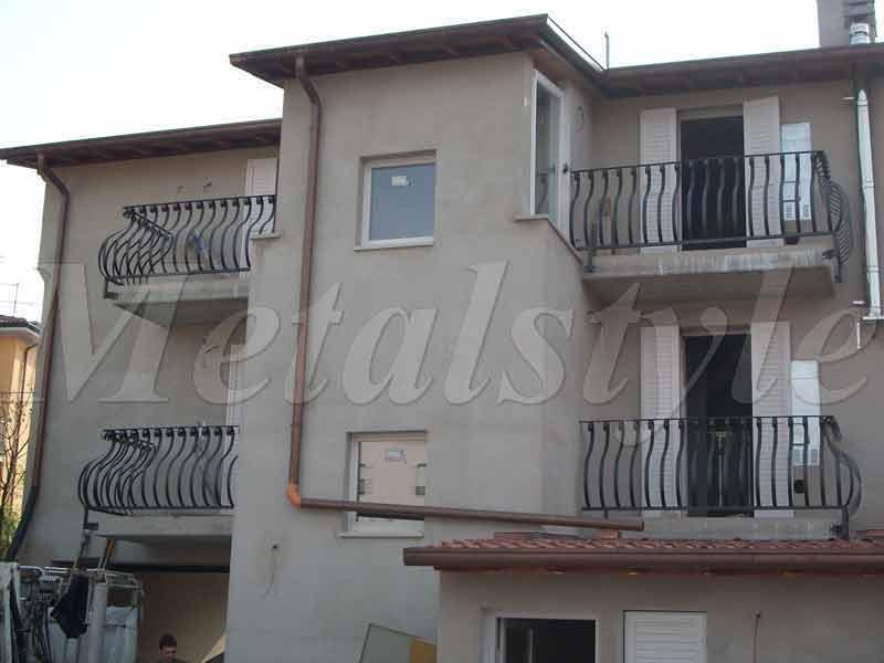 balaustrade railing parapet balcony wrought iron 25
