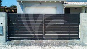cancello carraio zincato e verniciato in lamiera